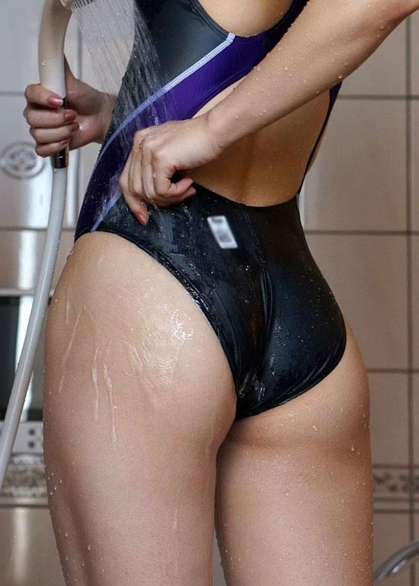 Bikini butt shots