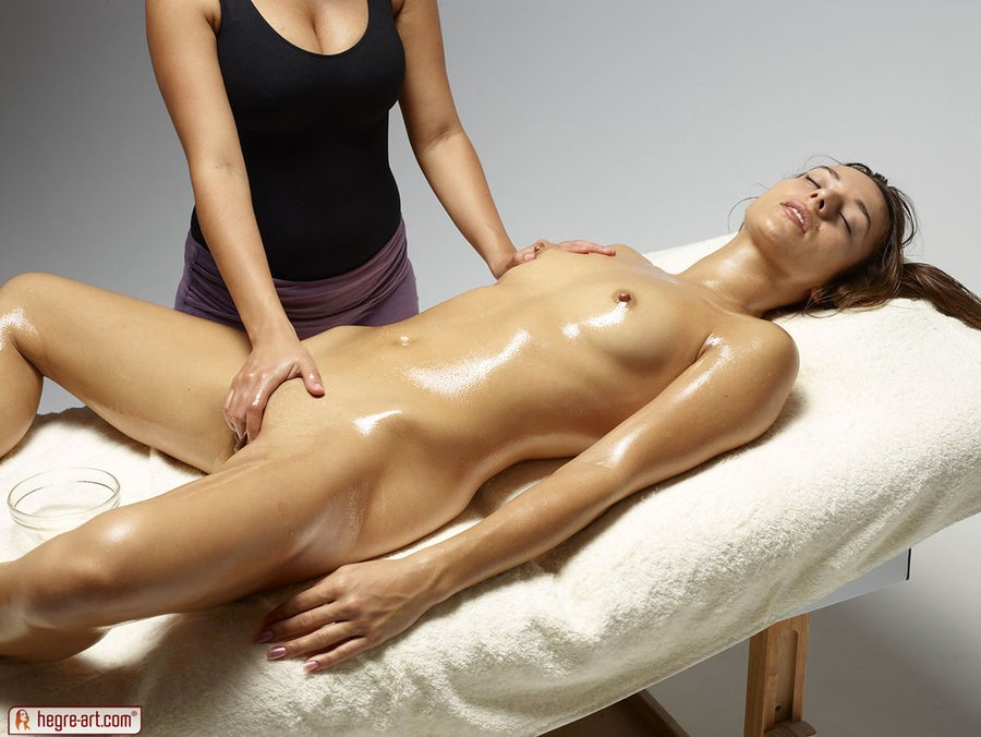 Naked Girl Oil Massage